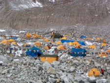 Everest 2014: Weekend Update April 13 - Full Base Camp