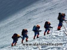 Everest: Nepal Looking at Huge Permit Fee Increase