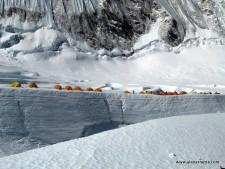 Camp1 near a crevasse in 2008