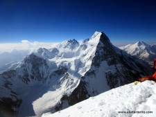 K2 2015 Coverage: Summits on G I & II, K2 Stops Bid. More Injuries