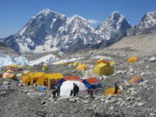 Everest: 4 Weeks, Unlimited Oxygen, $117,000