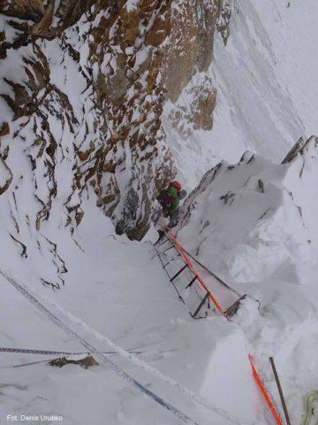 Winter K2 climbing House Chimney