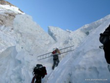 Everest 2014: Season Still Uncertain