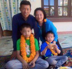 lhapka-thundu-sherpa-family