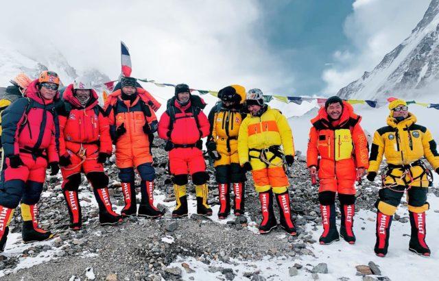 SST Rope Team. Courtesy of Dawa Sherpa